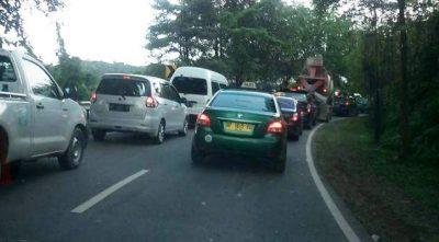 Warta Foto FB Macet menuju Pelabuhan Telaga Punggur Batam