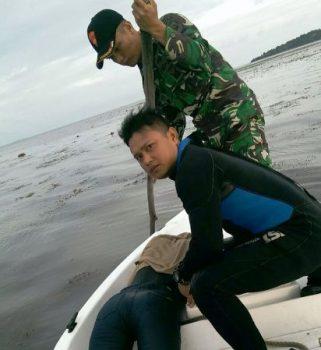 Anggota TNI AL menemukan jenazah korban pompong tenggelam
