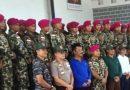 Walikota Batam Unjuk Kemampuan Menembak saat Perpisahan Danyon Marinir