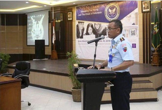 Sosialisasi SMA Pradita Dirgantara Oleh Komandan Lanud Raja Haji Fisabilillah