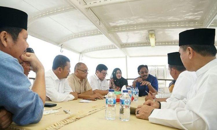 WartaKepri, Gubenur Kepri Nurdin Basirun Pimpin Rapat Diatas Kapat Terkait Kunjungannya ke Anambas