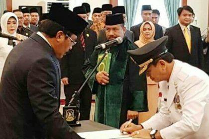 Gubenur Melanti Plt Walikota Tanjungpinang Raja Ariza