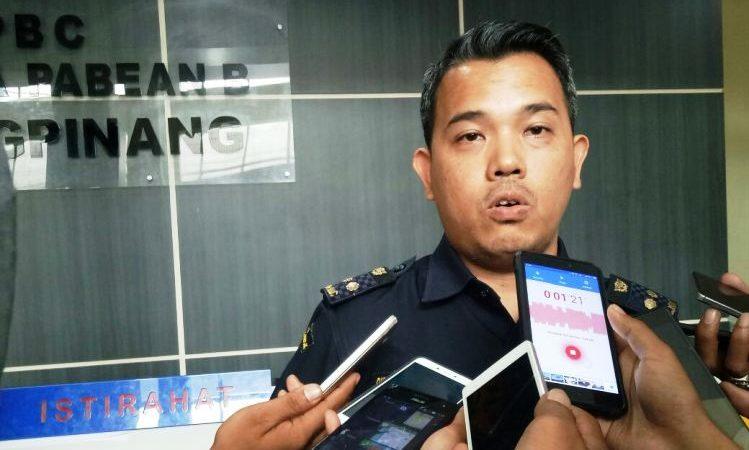Kepala seksi Penyuluhan dan informasi Bea cukai Tipe B Tanjungpinang, Oka A Setiawan,