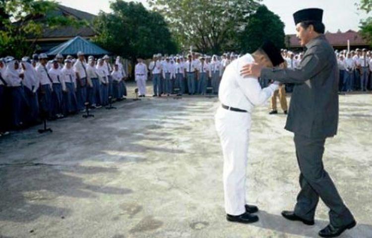 Wartakepri, Saat gubenur Kepri menjadi pembina upacara di SMA 1 Tanjungpinang