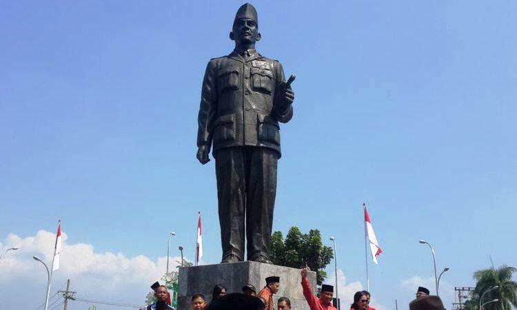Wartakepri, Patung Presiden Soekarno