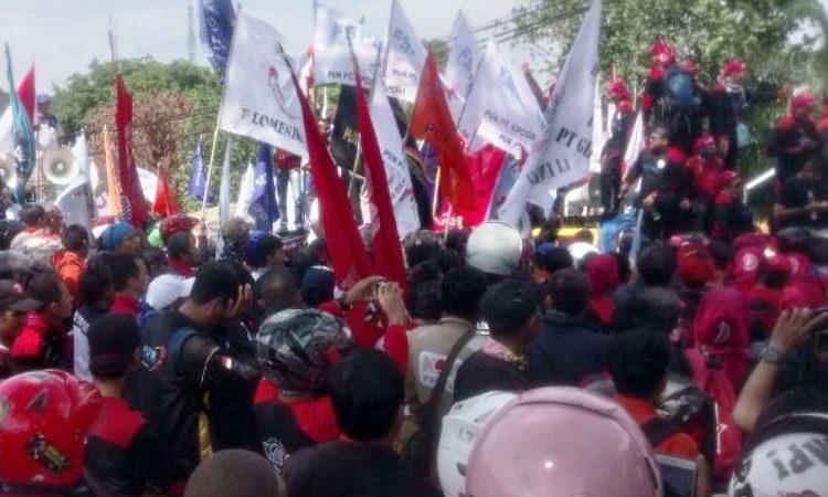 Wartakepri, buruh demo disnaker Batam