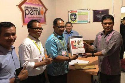 Wartakepri, Allias Wello Menyerahkan data dukungan ke KPU provinsi Kepri