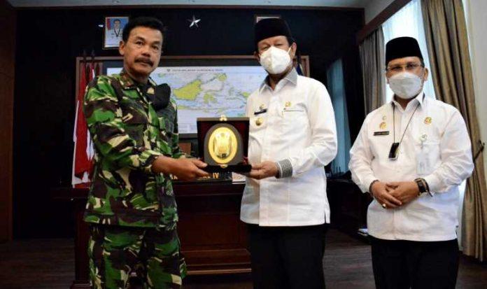 Gubernur Isdianto Pamit