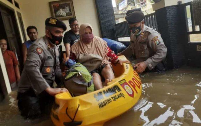 TNI-Polri Banjir
