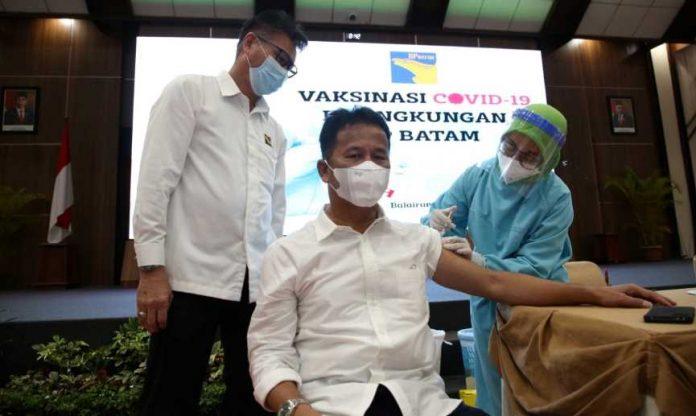 Kepala BP Batam Rudi Vaksinasi Covid