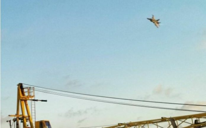 Pesawat F-18 Hornet