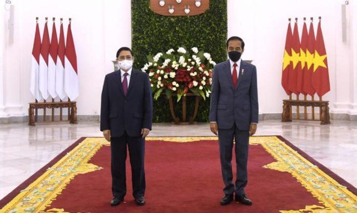 Presiden RI Joko Widodo (Jokowi) dan Perdana Menteri (PM) Vietnam Pham Minh Chinh