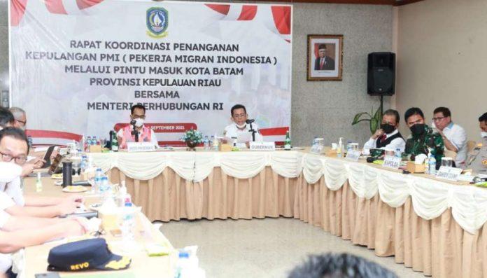 Gubernur H Ansar Ahmad bersama Menteri Perhubungan RI Menhub
