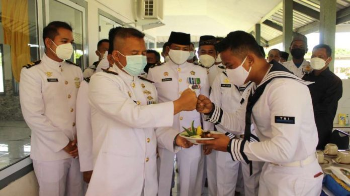 Lanal Dabo Singkep Gelar Upacara dan Syukuran HUT TNI AL ke-76