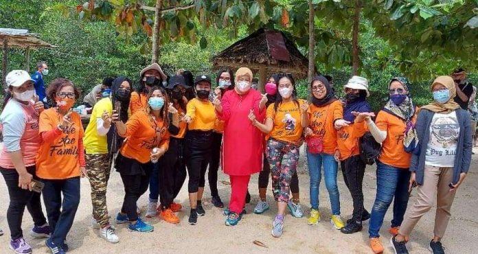 Wagub Marlin dan Expatriat Batam Tanam Mangrove